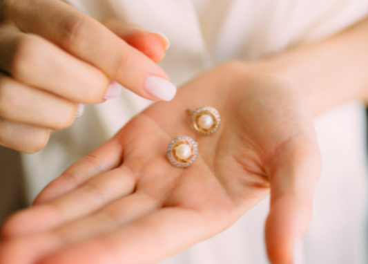 Tips to Consider When Buying the best Earrings