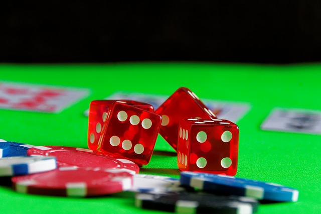 What are the reasons to play baccarat online?